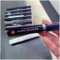 PRICE IS FIRM, PICKUP ONLY - MARC JACOBS LIQUID LIP CRÈME HOT COCOA SET 3.5ML (18 IN TOTAL)-