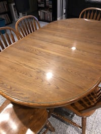 Solid wood table with glass top and 6 chairs Vaughan, L4L 1A5