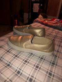 Size 7  sole mates  Dudley, 28333