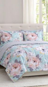 King 3 piece reversible comforter set