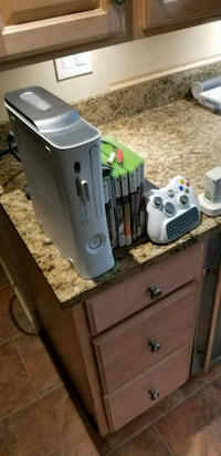 gray Xbox 360 console with controller Silver Spring, 20901