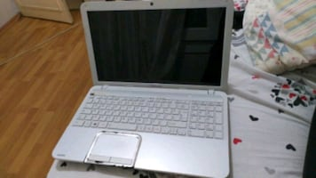 Toshiba  laptop İ7 3. Nesil 8 GB ram 1 TB HD