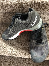Size 8 cross fit shoes EUC