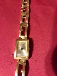 BEATIFUL GUESS GOLD WATCH with link bracelet