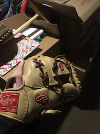 Brown and red rawslings leather baseball mitt Annandale, 22003