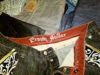 brown and white Levi's denim bottoms Kansas City, 64131