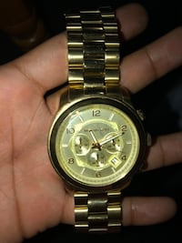 round gold-colored chronograph watch with link bracelet Washington, 20011