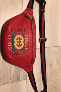 Red GG Gucci clip bag Vancouver, V6A 2C7