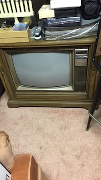 Brown Console Television  Olney, 20832