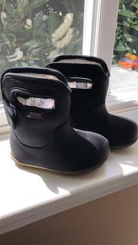 Toddler Bugs rain boots- size 6 Port Coquitlam, V3B 1P1