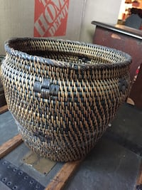 Beautiful basket in great condition. height 9.5in x width 10in Arlington, 22201
