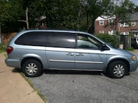 2005 Chrysler Town & Country Alexandria
