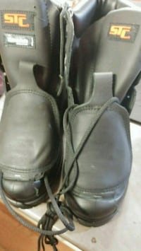 pair of black leather shoes Salaberry-de-Valleyfield, J6S 3J2