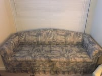 $30 for both sofa and love seat set. Excellent condition, from pet free, smoke free home 夏洛特, 28209