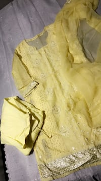 yellow and white floral dress shirt Fairfax, 22032