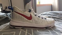 Pair of white-and-red nike low-top sneakers kevin durant kd9 usa colour Winnipeg, R2G 0L5