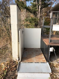 Electric wheelchair lift Mississauga, L5J 2Y9