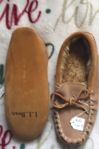 LL Bean slippers for kids size 4 Waldorf, 20602