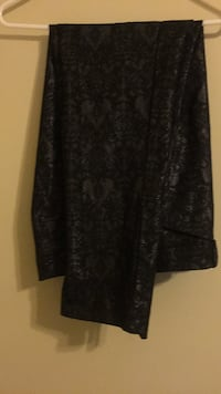 black and gray floral long-sleeved dress Alexandria, 22306