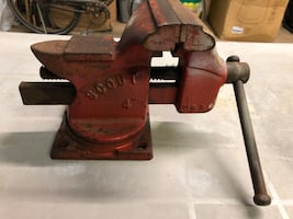 Scout bench vise