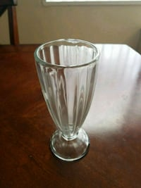clear glass footed drinking glass Alexandria, 22314