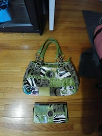 Guess purse and wallet Calgary, T2K 3J9