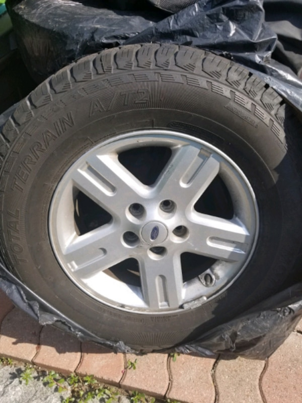 235 70 R16 ALLOY TIRES FOR SALE FITS FORD AND OTHER VEHICLE d054f974-56e9-4375-bd27-153238e40ecf