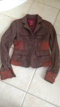 Brown button-up jacket pick up in Laval negotiate size 0