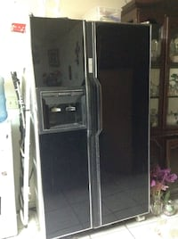 black side-by-side refrigerator with dispenser Los Angeles, 90033