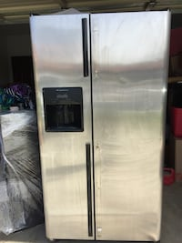 stainless steel side-by-side refrigerator with dispenser Riverside, 92518