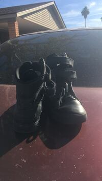 Pair of black leather velcro hi-top supras only wore once but are to small
