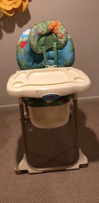 Baby's white and blue high chair - Fisher-Price Rainforest Chantilly, 20151