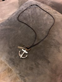 Mens leather anchor necklace paid $15 (17in long) excellent condition! Washington, 20002