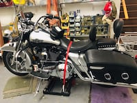 Harley Road king classic 2003 with 13k miles Black and gray touring motorcycle. Great Falls, 22066