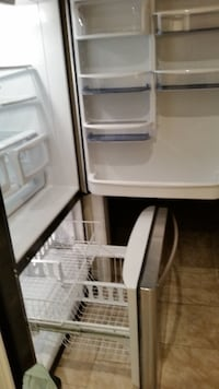 Kenmore fridge excellent condition.  6 yrs old OTTAWA