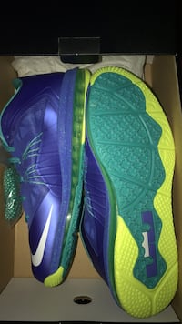 DS Nike LeBron 10 Low (Sprite's) size 11 Elk Grove, 95758