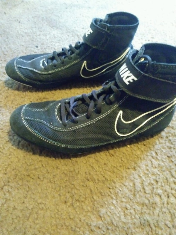 2d25125edc5381 Used Nike wrestling ahoes for sale in Fort Wayne - letgo
