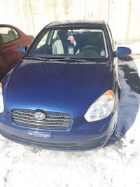 2009 Hyundai Accent GLS 4-Door 5-Speed Manual Montréal