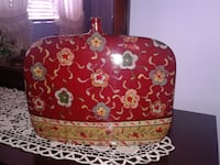 Ceramic decor for any room excellent condition