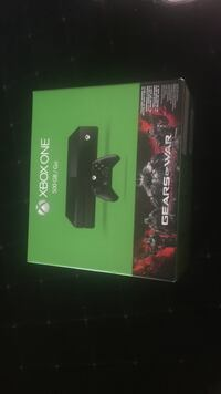 Xbox one Gears of War 1 bundle brand new unopened  Valrico, 33594