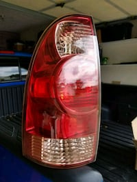 Left Side Tail light 2008 Toyota Tocoma Louisville