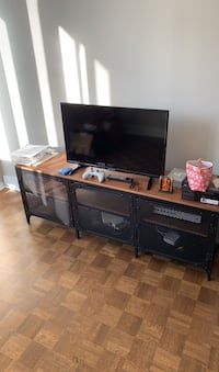 IKEA Entertainment Center w/ Sylvania TV Montréal, H3G 1A9