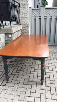 Dining room table large sturdy solid wood  Toronto, M5N 1L5