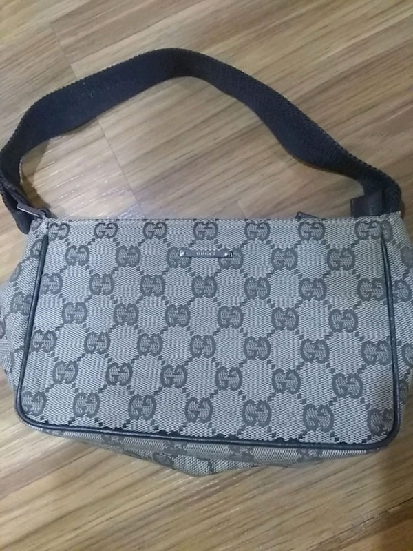 c6bd2a30a5ab Used Authentic Gucci handbag for sale in Hendersonville - letgo