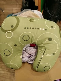 Nursing pillow Toronto, M2L 2S4