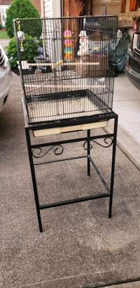 Bird cage on stand w/ accessories Canton, 44714