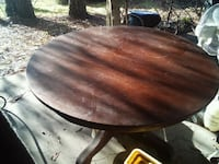 round brown wooden pedestal table Florence, 39073