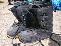 Snowboard boots size 6 Burnaby, V3N 1H9