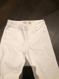 White straight-cut jeans Westmount, H3Y 1C2