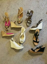5 pairs of AE wedge sandals size 9 Akron, 14001